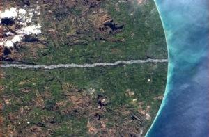 ISS_Waitaki_River,_Canterbury_and_Otago